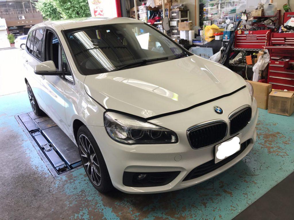 BMW F46 サスペンションスプリング交換