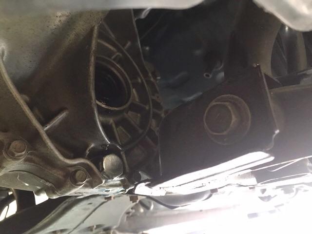 TOYOTA VITS (NCP13系)ドライブシャフト・フロントハブベアリング交換