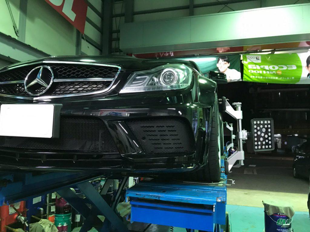W204 C63 AMGベンツ Cクラス 車高調整後アライメント測定調整